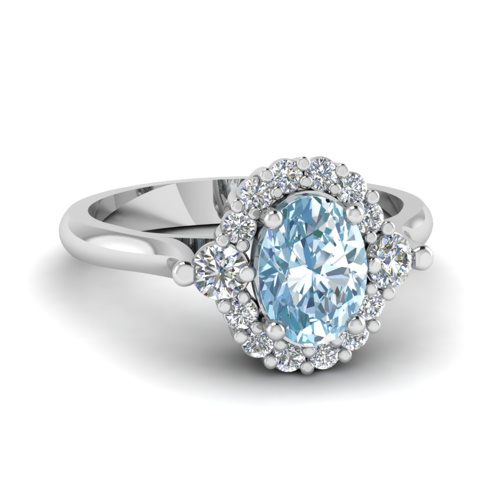 Beautiful Oval Aquamarine Gemstone Engagement Ring