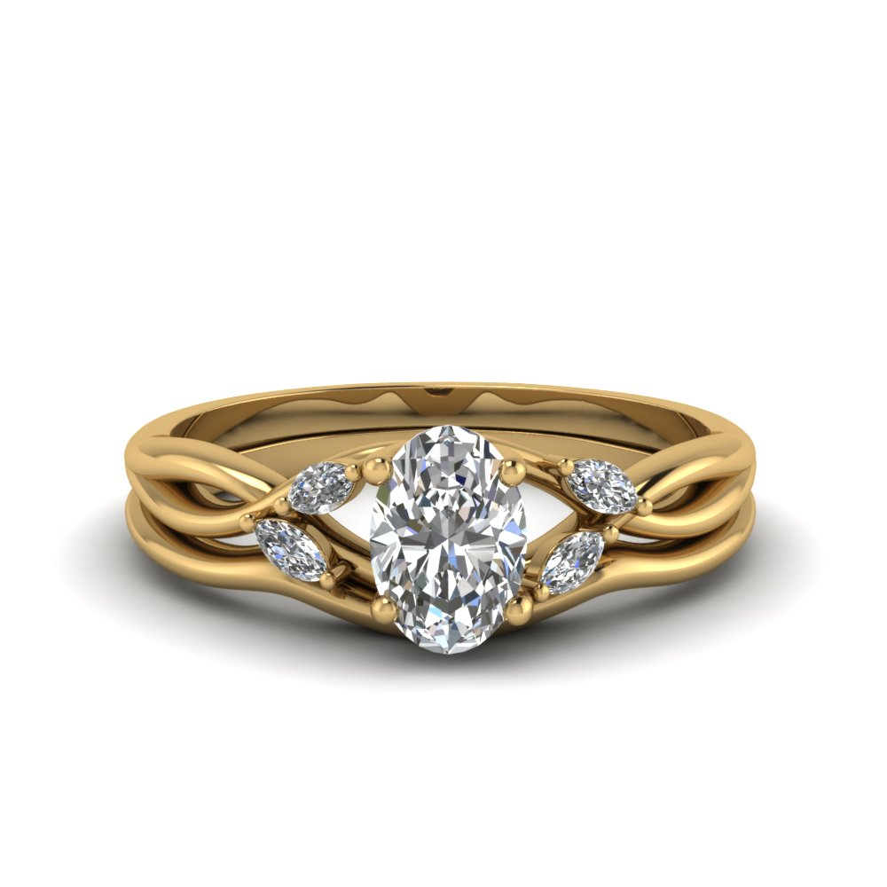Oval Twisted Diamond Ring And Band